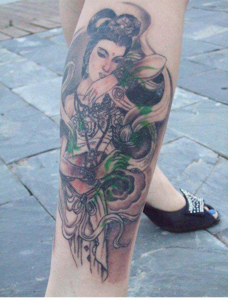 我腿上的纹身 - 纹身纹绣